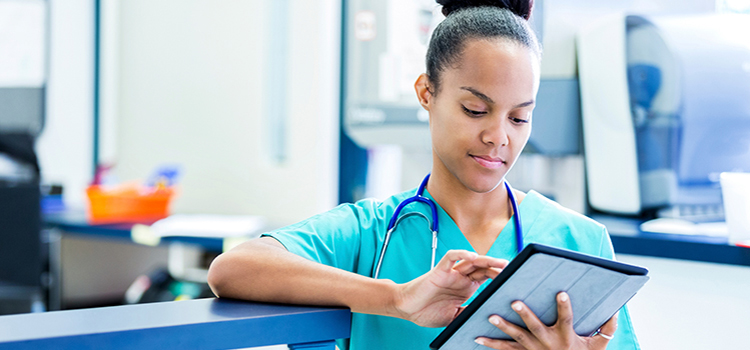 Learn How to Become a Medical Assistant | Steps to Enter the Field